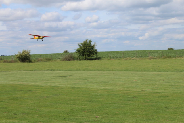 Mike Snr's Cessna 177 Cardinal on low pass
